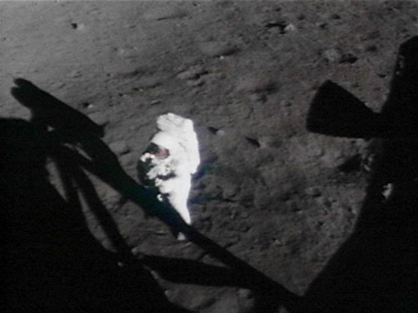 Apollo 11 Armstrong on the surface